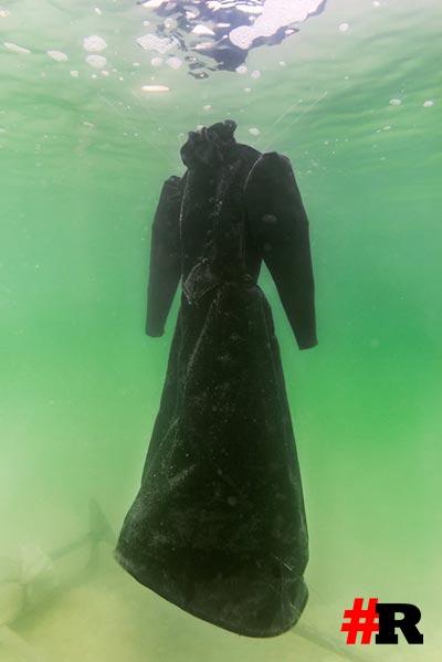 черное платье в мертвом море