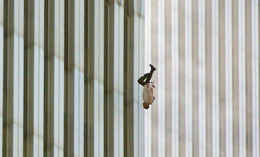 падающий человек 11 сентября
