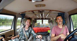 селфи путешественники фургон